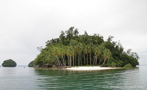 Britannia Islet