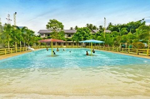 © Camp Holiday Beach Resort