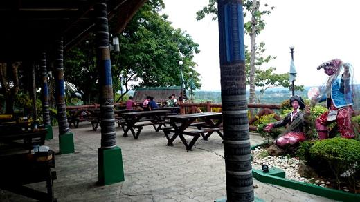 Vista-View-Resto-Outdoor-Dining