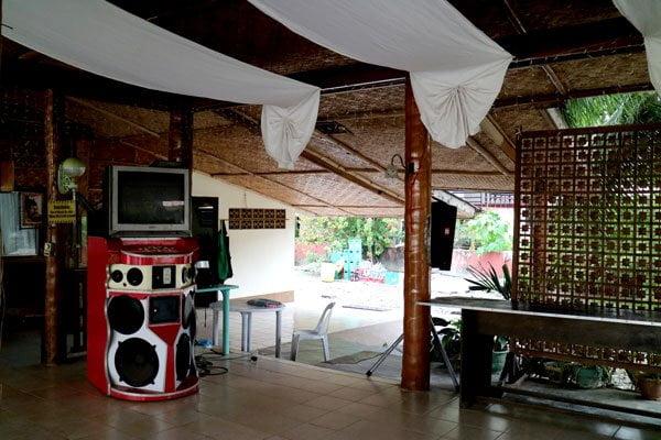Feliz-Resort-karaoke