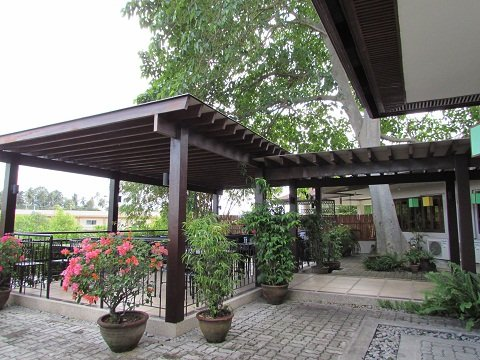 Hotel Tropika Outdoor Dining
