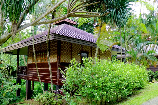 Malagos-Garden-Resort-overnight-cottage