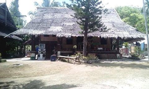 Lambug beach villa in Badian
