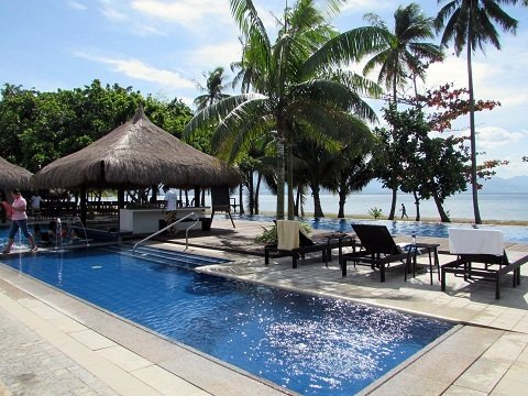 banana-beach-resort-pool