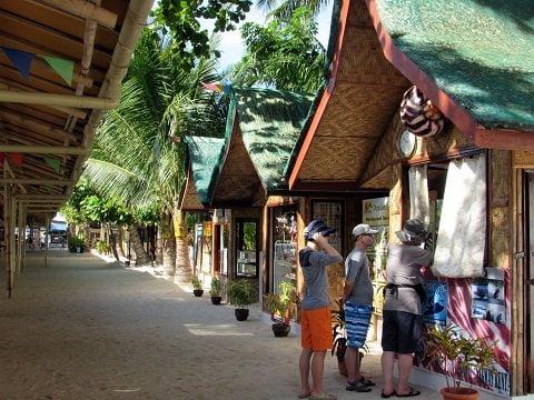 Shops along the beach path.