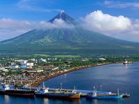 Legazpi City with Mayon Volcano in background.