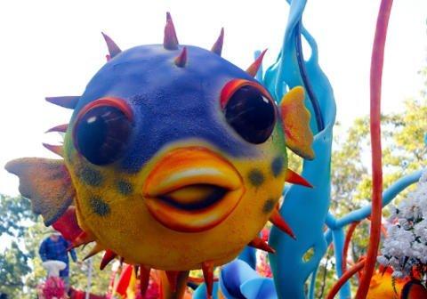 Pamulak Kadayawan Floaral Float with Giant Fish.