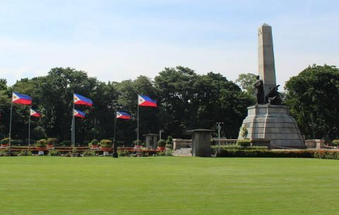 Philippines Flags and Monument