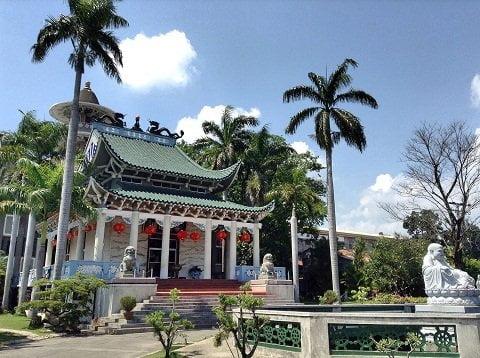 temple facade 2