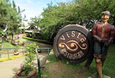Vista Restaurant Entrance